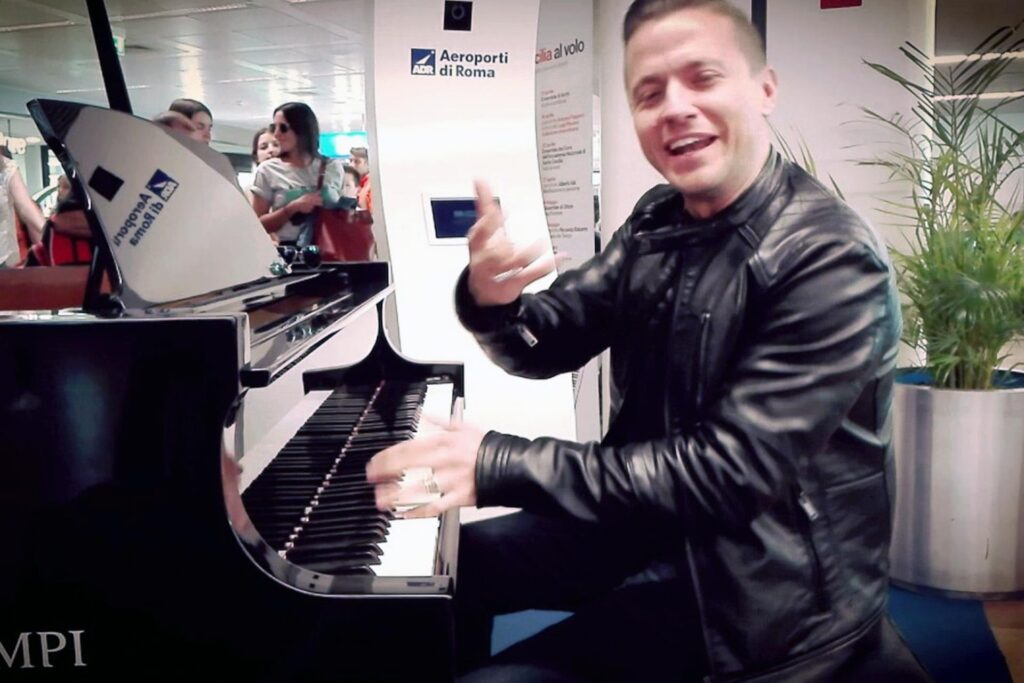 Pianoforte all'aeroporto