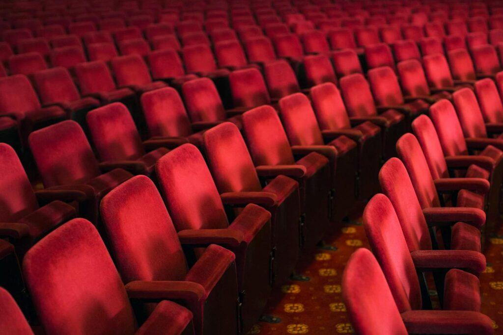 Teatri e cinema chiusi